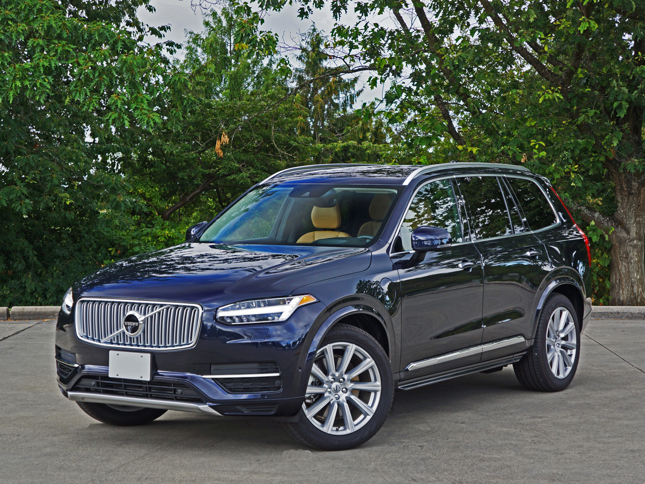 2017 Volvo Xc90 T8 Twin Engine Eawd Inscription Road Test Review