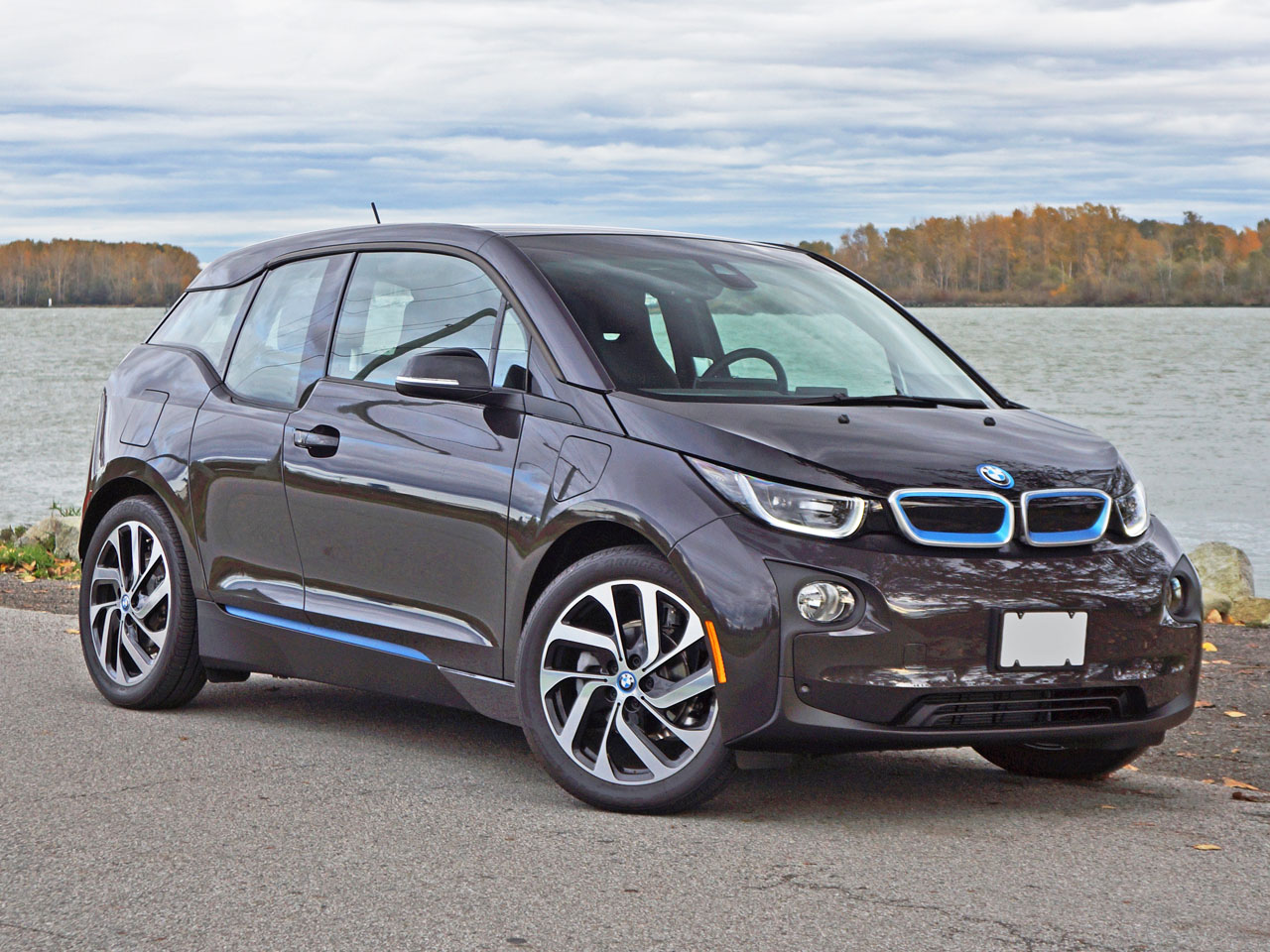 2016 bmw i3 rex suite road test review carcostcanada. Black Bedroom Furniture Sets. Home Design Ideas