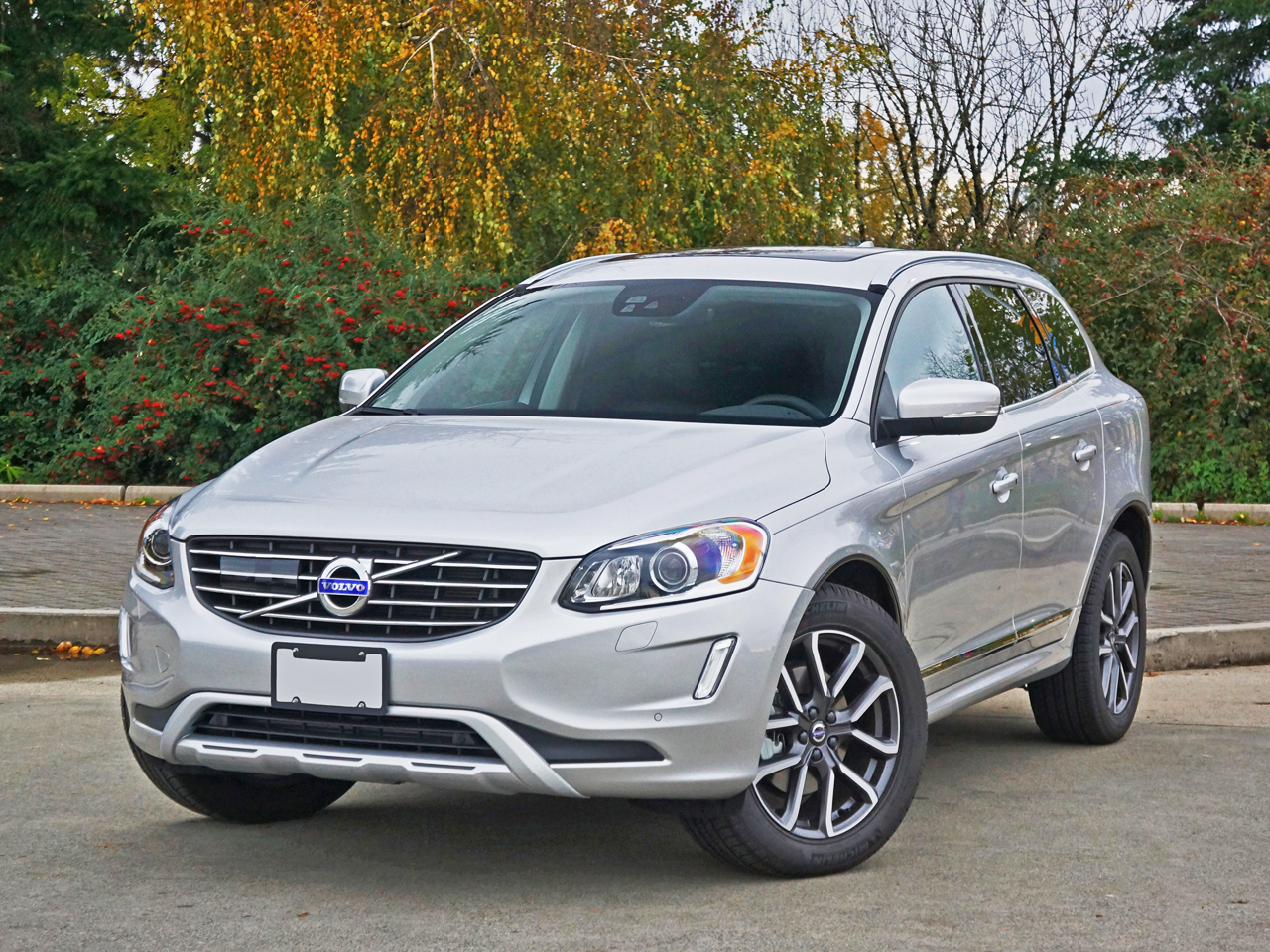 2017 Volvo XC60 T5 Drive-E AWD Special Edition Road Test Review