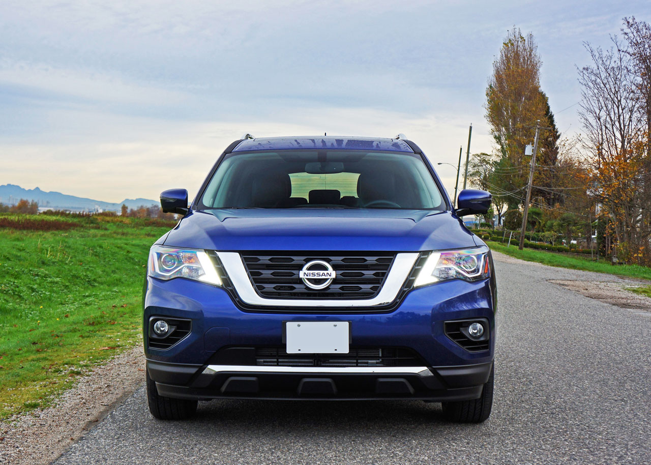 2017 Nissan Pathfinder Platinum 4x4 Road Test Review