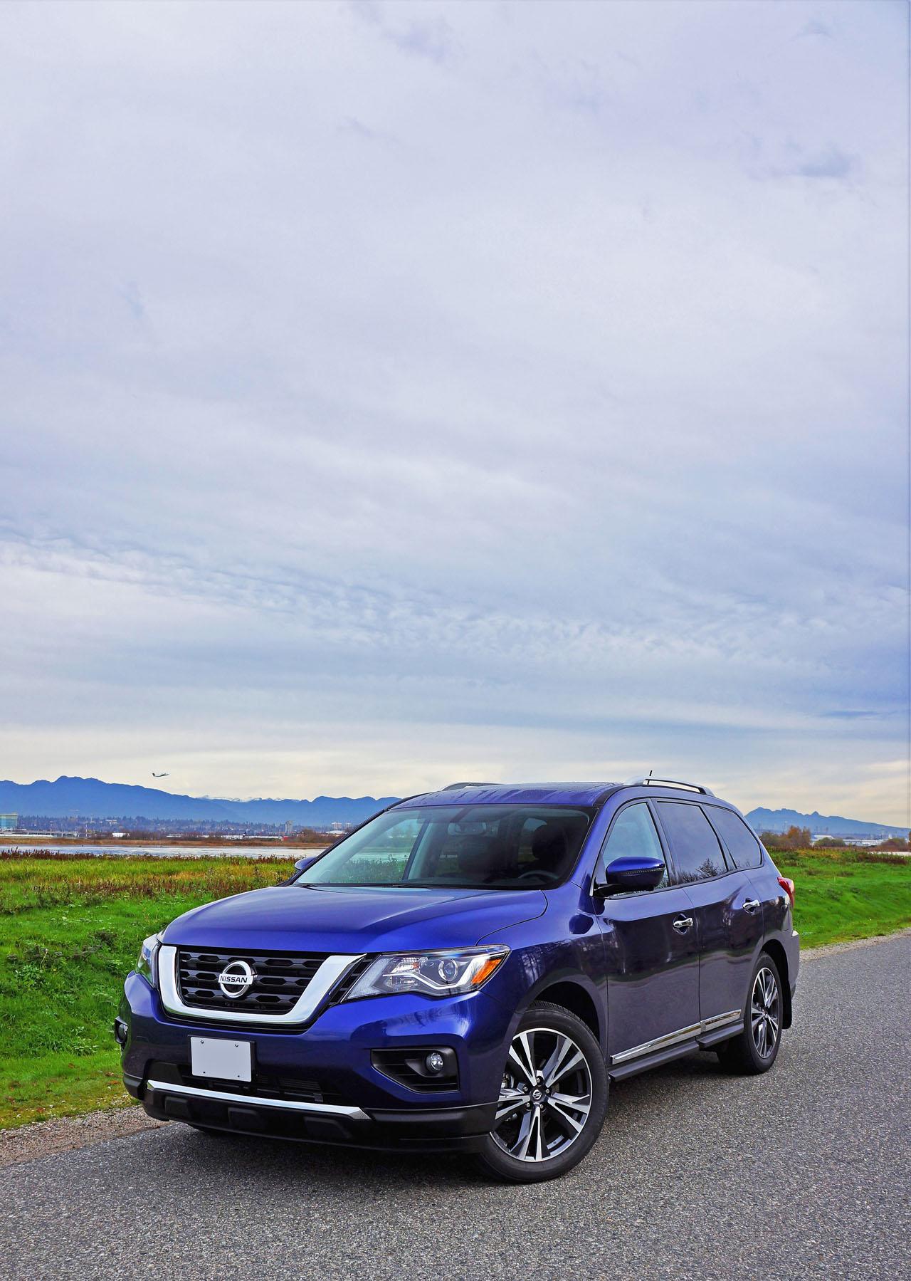 2017 Nissan Pathfinder Platinum 4x4 Road Test Review | CarCostCanada™