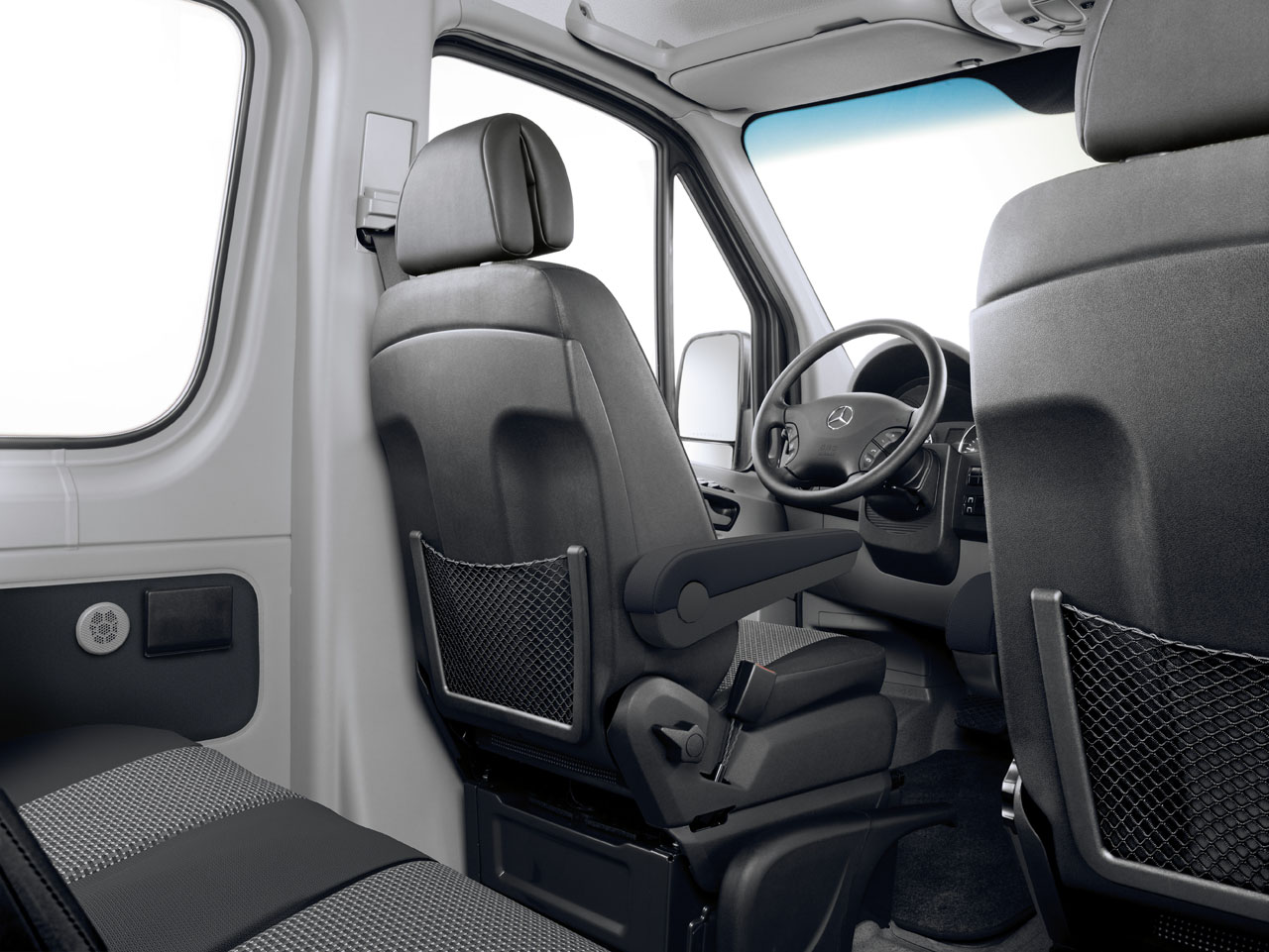 Mercedes Benz Sprinter Is The Only Commercial Van To Offer Factory 4wd Carcostcanada