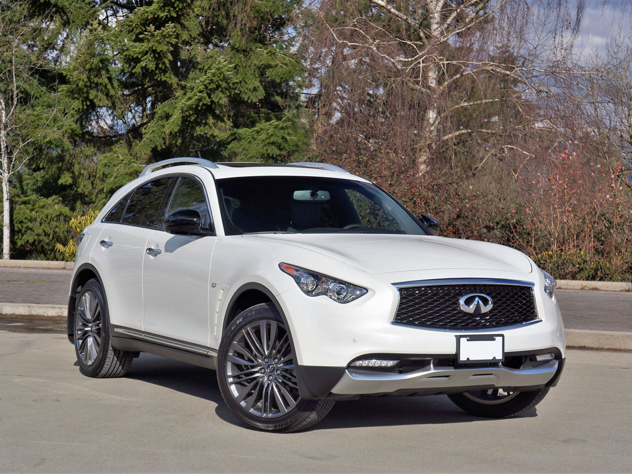 2017 infiniti qx70 limited road test carcostcanada. Black Bedroom Furniture Sets. Home Design Ideas