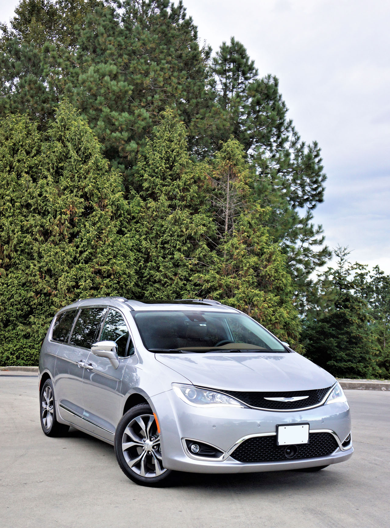 2017 Chrysler Pacifica Limited Road Test | CarCostCanada™