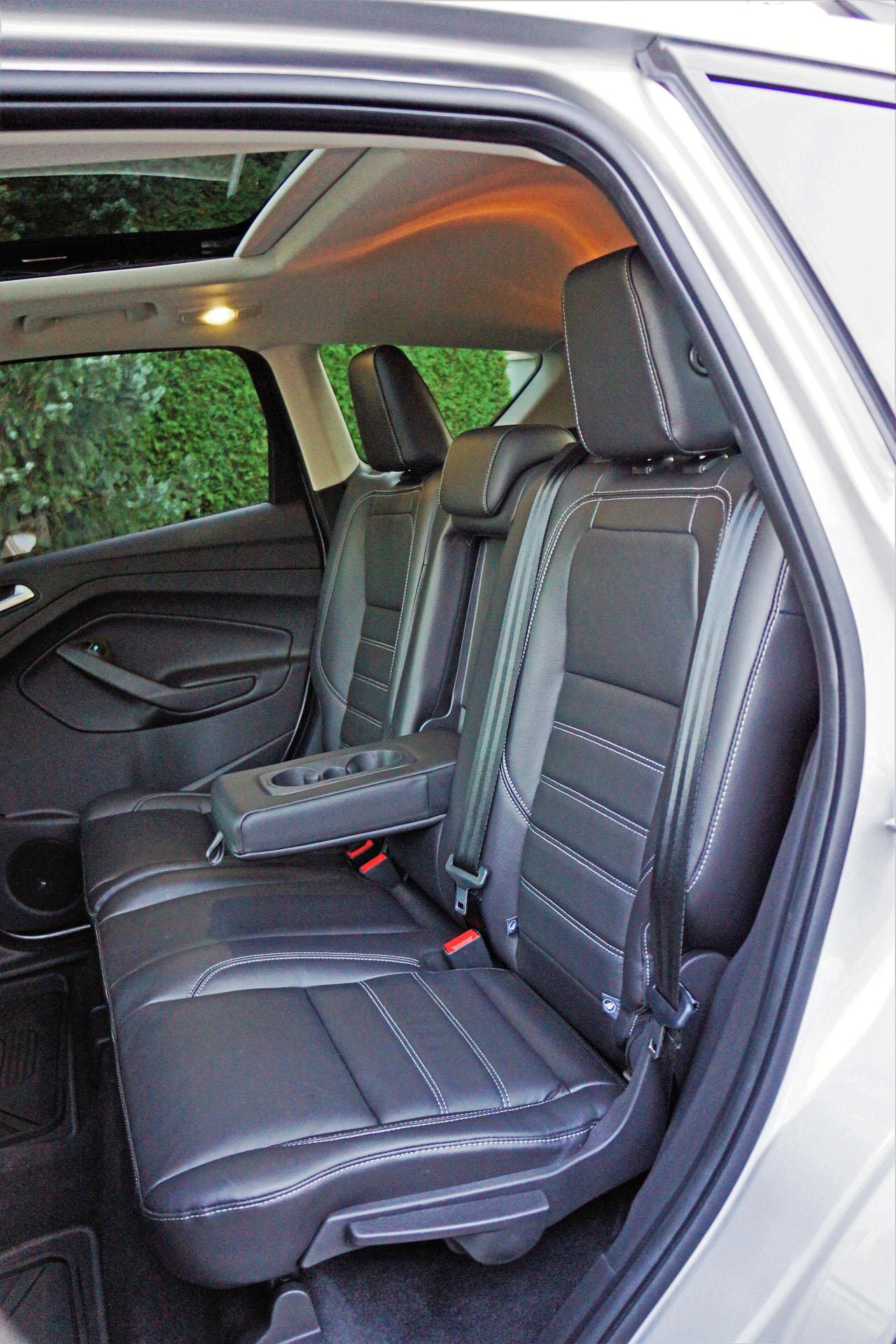 2017 ford escape titanium awd road test carcostcanada. Black Bedroom Furniture Sets. Home Design Ideas