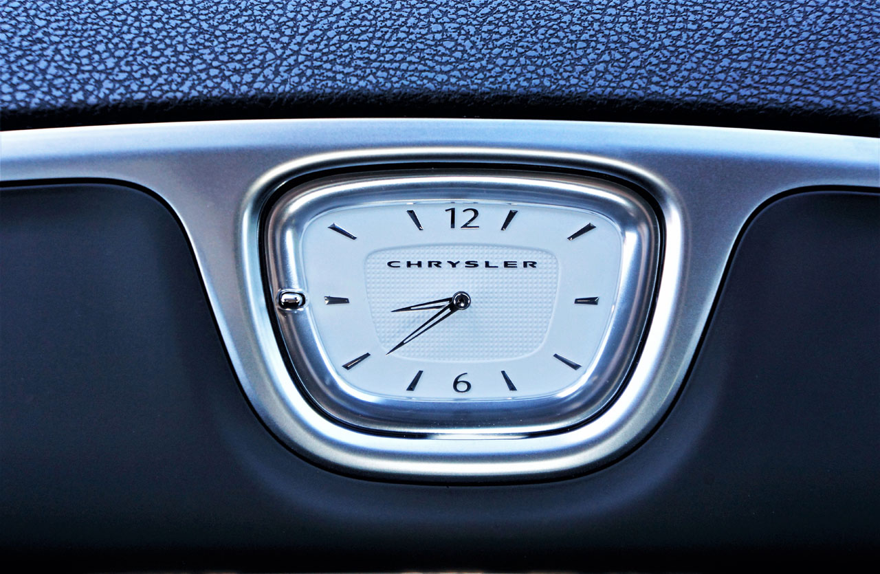 2017 Chrysler 300 AWD Limited Road Test   CarCostCanada™