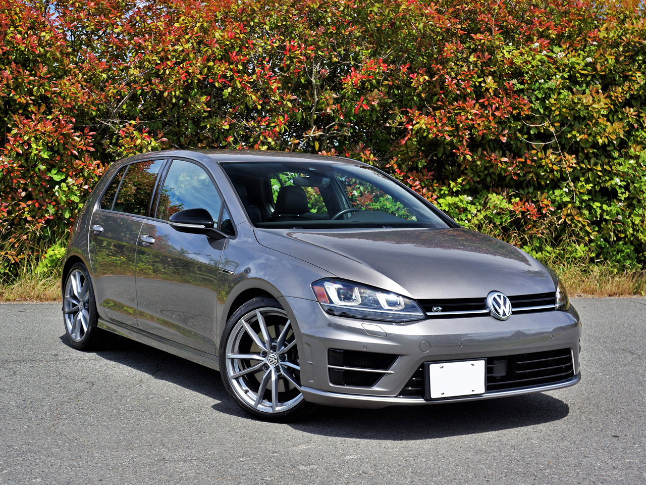 2017 Volkswagen Golf R Road Test