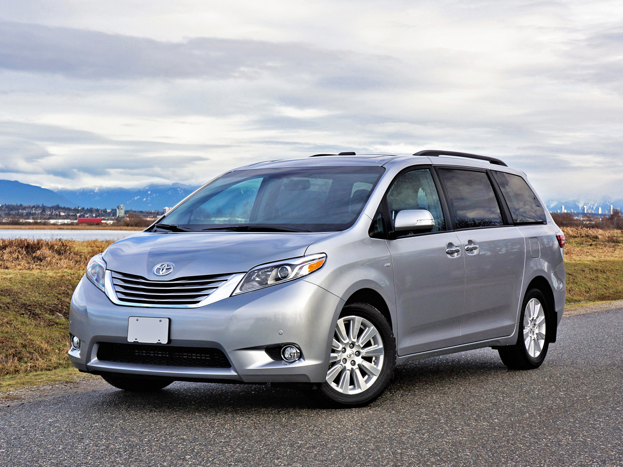 2017 Toyota Sienna Xle Awd Limited Road Test