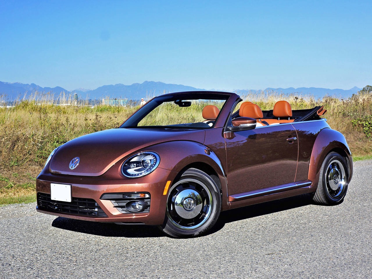 2017 volkswagen beetle convertible classic road test. Black Bedroom Furniture Sets. Home Design Ideas